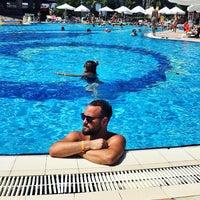 รูปภาพถ่ายที่ Holiday Garden Resort Okurcalar โดย 🌟 ' KeRm Ç. เมื่อ 7/24/2017