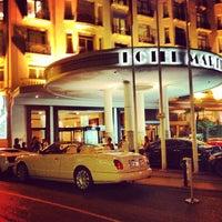 Photo taken at Grand Hyatt Cannes Hôtel Martinez by Bran_lux812 on 7/28/2013