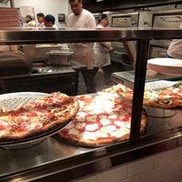 Foto tomada en Joe's Pizza por Aaron W. el 12/10/2017