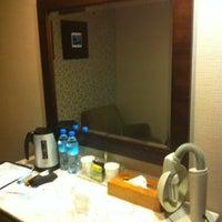 Photo taken at 華麗大飯店 Ferrary Hotel by Shing Yau L. on 11/16/2013