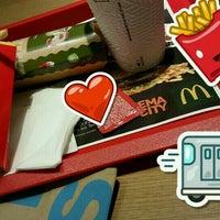 Снимок сделан в McDonald's пользователем Stasi 12/17/2016