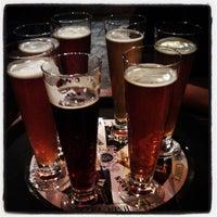 Снимок сделан в Beer House пользователем Mezhmidinov A. 5/2/2013