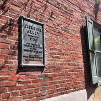Photo taken at Elfreth's Alley by Bo on 4/23/2017
