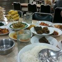 Photo taken at Restoran simpang raya by Agus N. on 10/29/2012