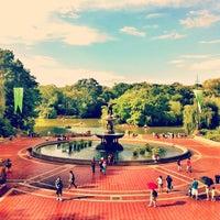 รูปภาพถ่ายที่ Central Park โดย Louie C. เมื่อ 7/23/2013