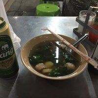Photo taken at คนเมืองลพ ครัวเมืองลิง by 松岡 on 9/5/2017
