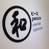 Foto tirada no(a) Peace Oriental Teahouse por Aorm J. em 4/26/2015