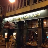 Das Foto wurde bei White Trash Fast Food von Oliver R. am 3/14/2013 aufgenommen