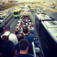 9/14/2012 tarihinde Alişan C.ziyaretçi tarafından Cevizlibağ Metrobüs Durağı'de çekilen fotoğraf