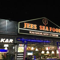 Photo taken at Jees Seafood & Western Food by Fisha H. on 1/21/2017