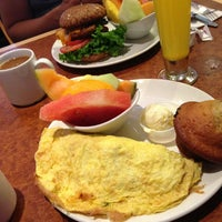 Photo taken at Broken Yolk Cafe by Michael B. on 7/14/2013