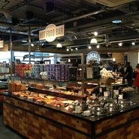 7/25/2013 tarihinde Anastasia B.ziyaretçi tarafından Whole Foods Market'de çekilen fotoğraf