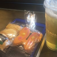 Photo taken at Starbucks by Y-Vonn T. on 3/1/2017