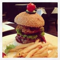 Photo taken at New York Style Steak & Burger by ToughG on 6/9/2013