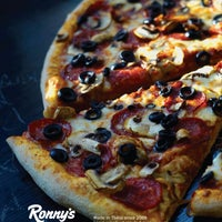 Photo taken at Ronny's Pizza Saburtalo | რონის პიცა საბურთალო by Ronny's Pizza on 1/24/2016
