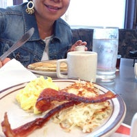 Photo taken at Denny's by Tito d. on 5/26/2013