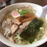 Photo taken at らーめんヒグマ 十日町店 by Snake 雷. on 10/28/2015