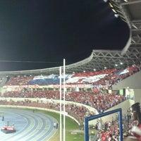 Photo taken at Estadio Rommel Fernández by Laury V. on 2/7/2013