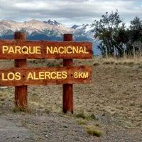 Foto tirada no(a) Parque Nacional Los Alerces por Alfredo Omar L. em 2/27/2014