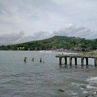 Photo taken at Pantai Pelabuhan Ratu by Leo A. on 12/31/2012