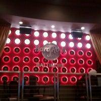Photo taken at Hard Rock Cafe Baltimore by Arnaud D. on 5/2/2013