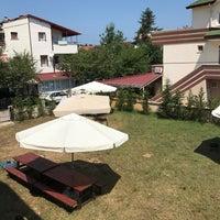 Photo taken at Güneş Apart Otel by Emre⚓️🎲 Y. on 7/25/2017
