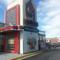 Photo taken at Silver Diner by Pee J. on 3/9/2013
