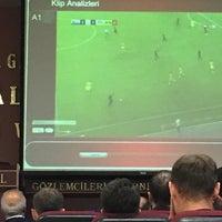Photo taken at Türkiye Faal Futbol Hakemleri ve Gözlemcileri Derneği   İstanbul Şubesi by Bbbbb D. on 11/2/2016