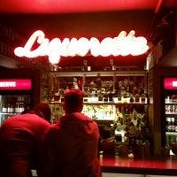 2/27/2016 tarihinde Kinoziyaretçi tarafından Genuine Liquorette'de çekilen fotoğraf