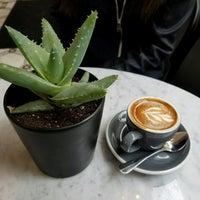 5/7/2017 tarihinde Kinoziyaretçi tarafından Variety Coffee Roasters'de çekilen fotoğraf