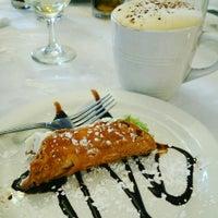 7/21/2016 tarihinde Rosie C.ziyaretçi tarafından Salerno's Restaurant'de çekilen fotoğraf