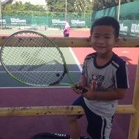 Photo taken at Gelanggang Tennis Tasik Titiwangsa by Rustan A. on 10/20/2013