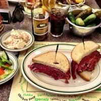 6/29/2013にDeans C.がBen's Kosher Delicatessenで撮った写真
