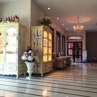 Photo taken at Sheik Istana Hotel by Mind C. on 6/28/2016