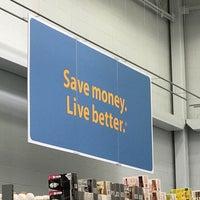 Foto diambil di Walmart Supercenter oleh Mike R. pada 6/10/2017