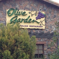Photo taken at Olive Garden by Chuck N. on 12/14/2013