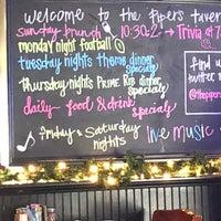 Foto scattata a Pipers Tavern da Chuck N. il 1/27/2018