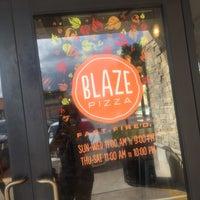 Das Foto wurde bei Blaze Pizza von Desiree' S. am 10/7/2017 aufgenommen