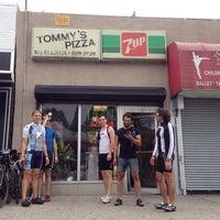 Foto tirada no(a) Tommy's Pizzeria por Aidan F. em 8/31/2013