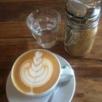 Das Foto wurde bei Café Jonas Reindl von Margarita V. am 6/3/2015 aufgenommen