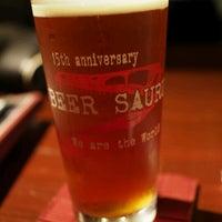 Снимок сделан в Beer Saurus пользователем Satoshi F. 12/30/2012