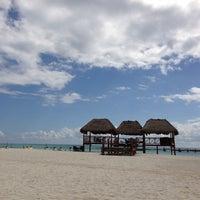 Foto tomada en Playa Maroma por Alejandro M. el 2/5/2013