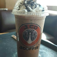 Photo taken at J.Co Donuts & Coffee by Heny P. on 7/19/2015