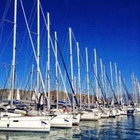 Foto tirada no(a) Ece saray marina por Ayse K. em 10/12/2013