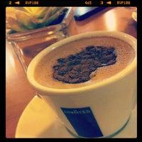 Foto tirada no(a) Kampalla Café por Zeka em 3/3/2013
