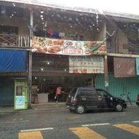 Photo taken at 旺兴茶室 by BawanG 旺. on 3/13/2014