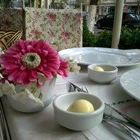12/29/2012 tarihinde Merve A.ziyaretçi tarafından Bornova Elit Restaurant'de çekilen fotoğraf