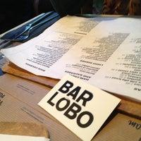 4/27/2013 tarihinde Lo P.ziyaretçi tarafından Bar Lobo'de çekilen fotoğraf