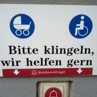 Снимок сделан в Zieten-Apotheke пользователем Caspar Clemens M. 10/24/2012