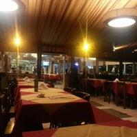 Foto tomada en Restaurante Toca da Traíra por Anderson D. el 2/15/2013
